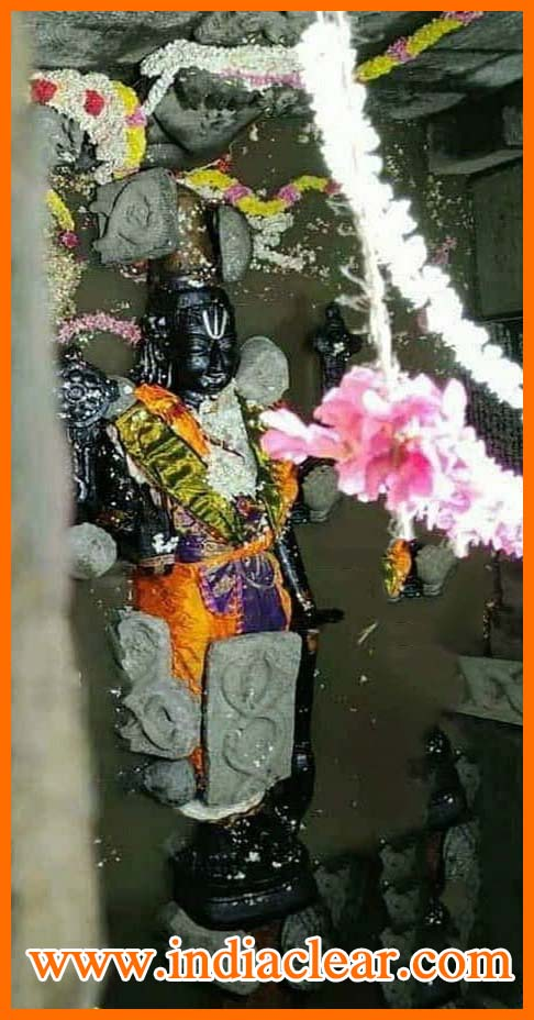 athi varadar in water images, athi varadar inside water